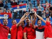 ديوكوفيتش يحتفل مع منتخب صربيا بالحصول على كأس المحترفين للتنس.. فيديو