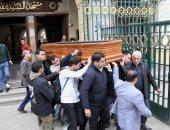 فيديو وصور ..رئيسة القومى للمرأة تنهار خلال تشيبع جثمان نجلها لمثواه الأخير