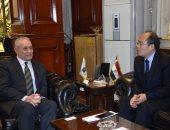 فيديو.. محافظ الأقصر يستقبل الوزير المفوض بالسفارة الصينية