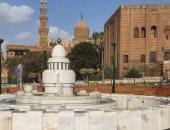 استكمال تطوير ميدان السيدة عائشة وتحديث الإنارة أسفل الكوبرى.. صور