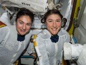 شاهد رائدات ناسا يجرين ثانى عملية سير نسائية فى الفضاء اليوم.. فيديو
