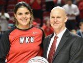 تكريم  رنيم الجداوى لاعبة منتخب السلة فى الجامعات الأمريكية