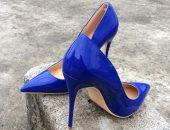 طرق مختلفة لإرتداء الحذاء الأزرق.. بيليق على كل حاجة