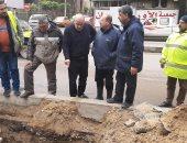 """رئيس """"صرف الإسكندرية"""" يتفقد تمركزات فرق الطوارئ لمواجهة النوة.. صور"""