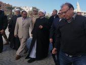 فيديو وصور.. وزير الأوقاف يصل مسجد الميناء الكبير لخطبة الجمعة بالغردقة