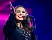 أنغام تحيى حفلا فى القصيم.. والجمهور يهديها تورتة عيد ميلادها.. فيديو وصور