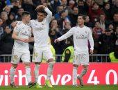 ريال مدريد يتربع على صدارة الدوري الاسباني مؤقتا بفوز صعب على إشبيلية