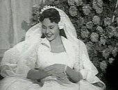 """حكاية هدية الفنانة ماجدة لمعجبة فى حفل زفافها.. """"تربون وباترون فستان"""""""
