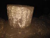 العثور على صالة لمعبد بطلمى أسفل منزل عامل أثناء التنقيب عن الآثار بسوهاج