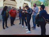 """كاملة أبو ذكرى تعاين مواقع تصوير مسلسل """"النصابين"""" لـ نيللى كريم"""
