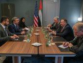 مايك بومبيو يؤكد على ضرورة وقف إطلاق النار فى ليبيا فى لقاء مع نظيره الإماراتى