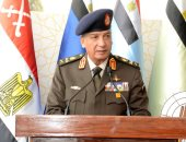 وزير الدفاع يتفقد الغواصة المصرية الجديدة ويدشن مدمرة بحرية.. فيديو