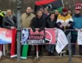 شاهد.. ليبيون يحاصرون سفارة تركيا ببرلين رفضا لعربدة أردوغان بوطنهم
