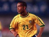 جول مورنينج.. رونالدينيو يفتتح أهدافه مع البرازيل بطريقة خرافية