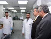 صور.. وزير الطيران يفتتح وحدات ومعامل طبية حديثة بمستشفى مصر للطيران
