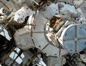 رائدتا فضاء ناسا تجريان آخر عملية سير نسائية فى الفضاء.. بث مباشر