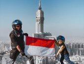 """رحالة إندونيسى وطفله يصلان مكة عبر """"موتوسيكل"""" لأداء العمرة بعد 8 شهور"""