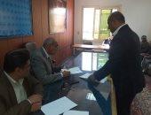 """صور.. رئيس مدينة القرنة يعقد لقاء """"اليوم المفتوح"""" لحل مشكلات الأهالى"""