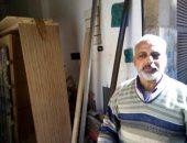 """نجار البحيرة صاحب مبادرة تغطية أعمدة الإنارة بالخشب:""""هدفنا حماية المواطنين.. صور"""