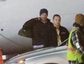من غير مظاهر ملكية.. الأمير هارى يصل كندا لبدء حياته الجديدة مع ميجان.. صور