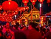 صور.. إحتفالات وألعاب نارية فى جزيرة المارية بالسنة الصينية