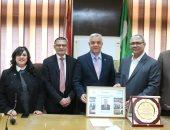 رئيس جامعة المنوفية يشهد تكريم عميد كلية الطب السابق
