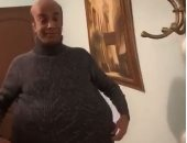 """أدام مراياتها تتدلع براحتها"".. فيديو ساخر جديد للفنان سليمان عيد"