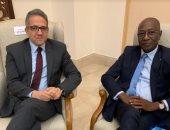 وزير السياحة والأثار يلتقى وزير الثقافة والاتصالات السنغالى