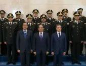 السيسى مع أعضاء المجلس الأعلى للشرطة ووزير الداخلية فى صورة تذكارية