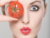 ترطيب وتفتيح ونضارة.. 4 وصفات طبيعية من الطماطم للبشرة