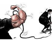 كاريكاتير صحيفة سعودية.. إيران تنفخ عضلات الميليشيات بالهواء