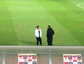 فيديو.. عبد الله جمعة يدعم لاعبى الزمالك من أرض الملعب قبل مواجهة مازيمبى