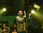 إيهاب توفيق يتعاون مع محمد جمعة ومصطفى قمر وحميد الشاعرى في أغنية سينجل
