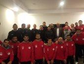 وزير الرياضة يلتقى أبطال منتخب مصر لكرة اليد بفندق الإقامة فى تونس