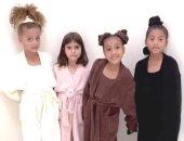 كيم كاردشيان تثير الجدل بإعلان مجموعة بيجامات للأطفال بمشاركة ابنتها.. فيديو