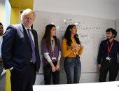 بوريس جونسون يزور مدرسة كينجز للرياضيات بلندن ويتفاعل مع الطلاب