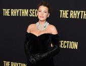 """بعد 5 أشهر من الإنجاب..بليك ليفلي""""قنبلة أنوثة""""في عرض فيلمها The Rhythm Section"""