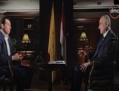 "طارق عامر لـ""رامى رضوان"": متفائل بـ2020.. ونستهدف إصدار 5 ملايين كارت ""ميزة"""