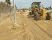 صور .. حملة لردم البرك والمستنقعات والحفر فى شوارع شمال سيناء تمهيدا لرصفها