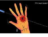 """كاريكاتير صحيفة إماراتية.. """"لا ترفع يدك احتجاجا بمظاهرات العراق"""""""
