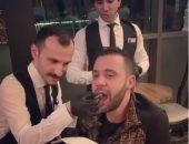 """""""ناس لطيفة أوى"""".. محمد إمام بمطعم بدبى والجمهور يشبهه بمحمد صبحى فى """"تخاريف"""""""