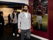 """وست هام ضد ليفربول.. وصول محمد صلاح ونجوم الريدز إلى ملعب لندن """"فيديو"""""""