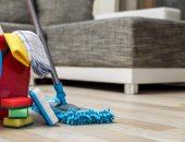 4 طرق مختلفة لتنظيف الأريكة.. عشان ما تحسيش بالإحراج قدام ضيوفك
