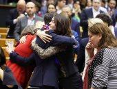 شاهد.. وداع ودموع فى البرلمان الأوروبى على خروج بريطانيا من الاتحاد