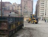 الرصد البيئى بالإسكندرية ترفع المخلفات من شارع اسكوت بالمنتزة