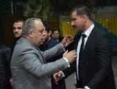 ياسر جلال وأشرف زكى وفلوكس في عزاء والدة الفنان محمود حافظ