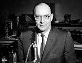 10 معلومات عن العالم الأمريكى جون باردين الحاصل على جائزة نوبل للفيزياء مرتين