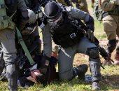 نادى الأسير: قوات الاحتلال تعتقل 33 فلسطينيا بينهم سيدتان وطفلة