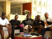 صور.. أسرة الكونغولى كاسونجو تزور بعثة الزمالك فى أنجولا