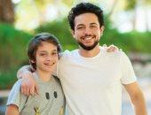 الأمير الحسين بن عبد الله يهنئ شقيقه هاشم بعيد ميلاده: الله يحفظك ويحميك